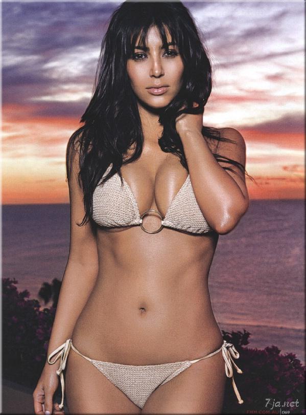 Ким Кардашян разделась для журнала FHM