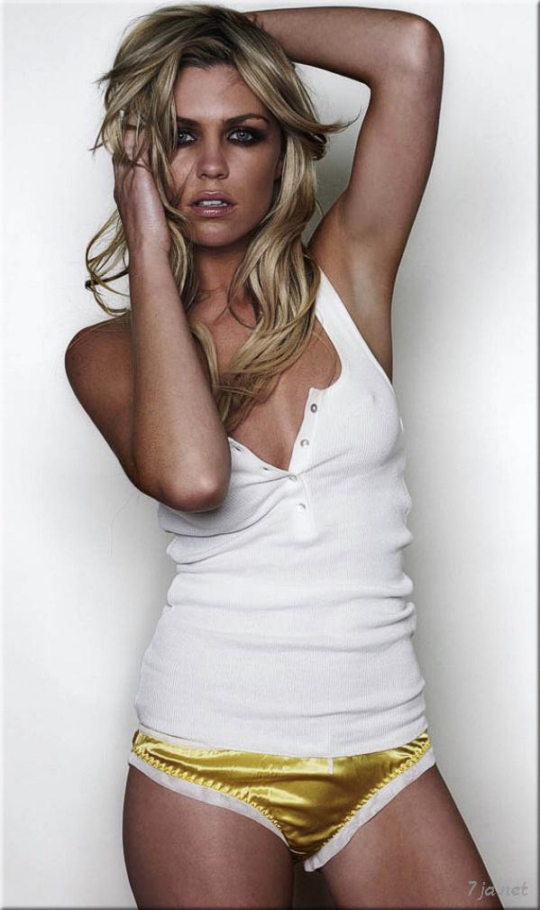 Шерил Коул второй год подряд названа самой сексуальной женщиной ...