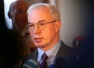 Азаров критикует Тимошенко