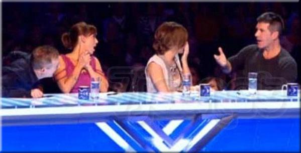 Судьи проекта X Factor Луис Уолш (Louis Walsh) Натали Имбрулья (Natalie Imbruglia) Шерил Коул (Cheryl Cole) Саймон Коуэлл (Simon Cowell) потрясены случившимся