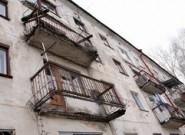 Балконы падают на мостовую