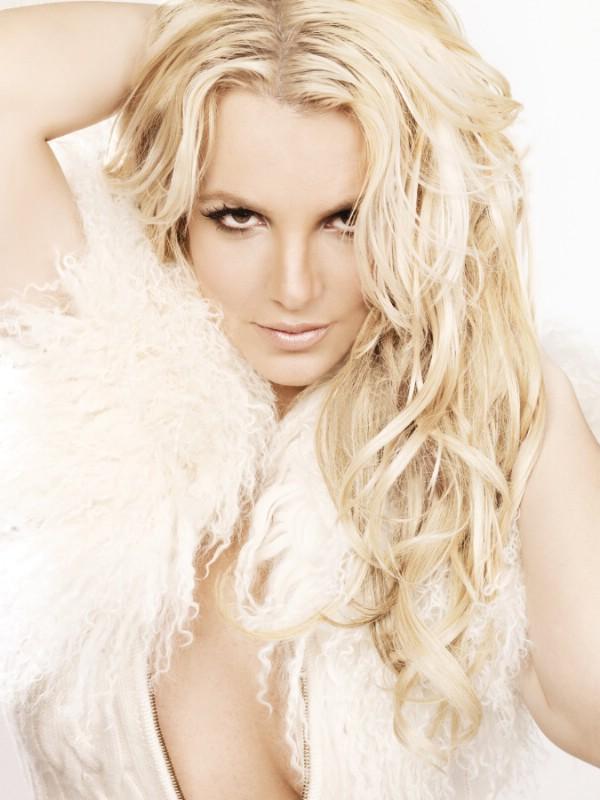 http://7ja.net/wp-content/uploads/2011/03/Femme-Fatale.jpg