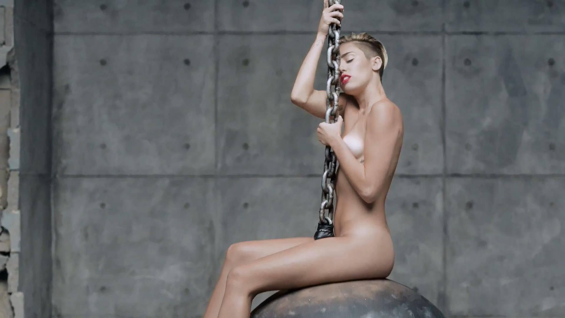 Смотреть топ 10 эротических клипов 3 фотография