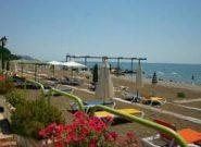 Лазаревское: особенности пляжей и гостиниц