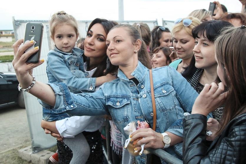 Певица Зара в Берлине: снова концерт и снова успех