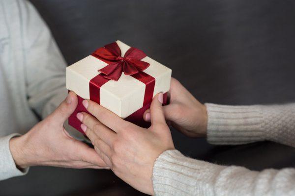 Что подарить на пасхальные праздники