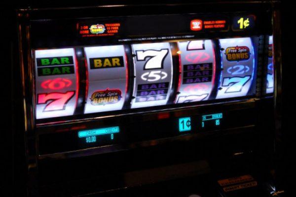 Демо-версии игровых автоматов или на реальные деньги